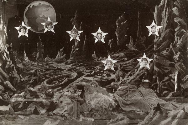 3-Le Voyage dans la Lune, 1902. Photographie de plateau