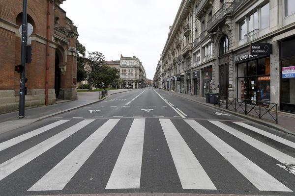 Depuis le 17 mars 2020, les rues de Toulouse sont désertes et l'ambiance sonore totalement différente.