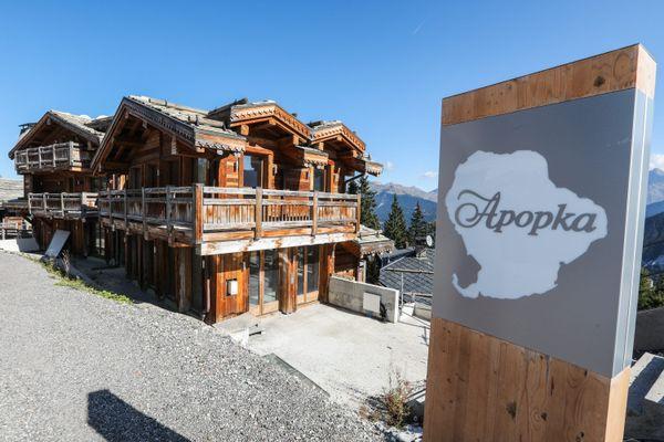 Vendredi 7 mai, le chalet Apopka, situé à Courchevel, a été vendu aux enchères pour 24 millions d'euros.