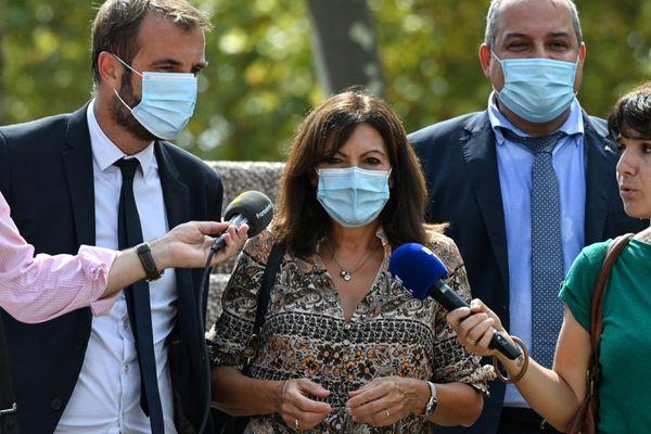 Anne Hidalgo est arrivée au Corum de Montpellier en compagnie de Michaël Delafosse le 7 septembre 2021.