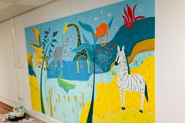 Marseille (Bouches-du-Rhône) : des fresques peintes par des artistes pour égayer le service pédiatrie.