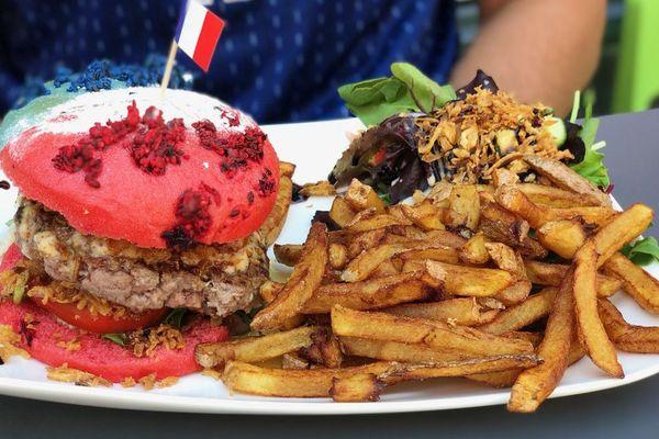 Le hamburger tricolore pour supporter l'équipe de France