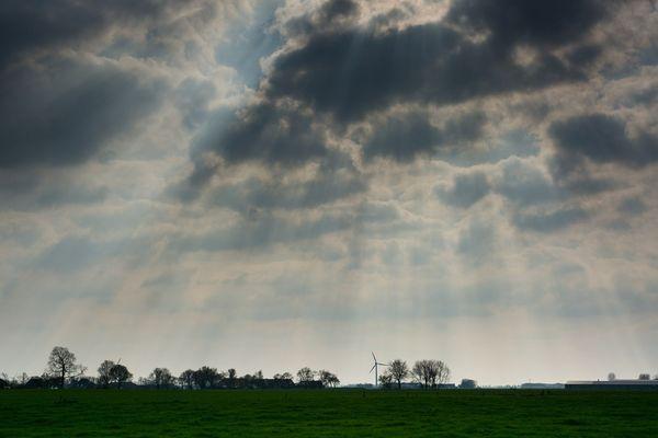 Un ciel gris (image d'illustration).