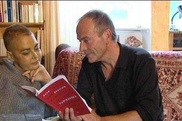 Anne Gosztola et son compagnon