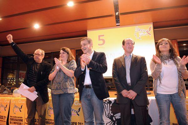 Paul-Félix Benedetti, en 2010, pendant la campagne des territoriales, au côté de ses alliés d'alors.