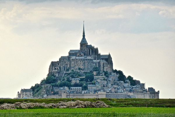 Le ciel sera nuageux dès le début de la matinée sur le Mont St Michel.