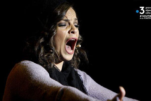 """""""Piaf ! Le Spectacle"""", enregistré à l'opéra de Nice, avec la Varoise Anne Carrere est à revoir pendant tout le confinement."""