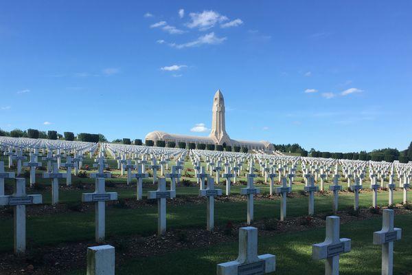 Ossuaire de Douaumont et nécropole nationale de Douaumont près de Verdun (Meuse).