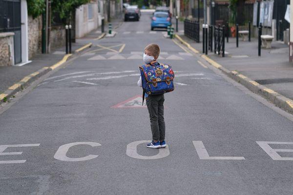 Le retour à l'école dès le 11 mai demeure une interrogation pour certains parents (image d'illustration)