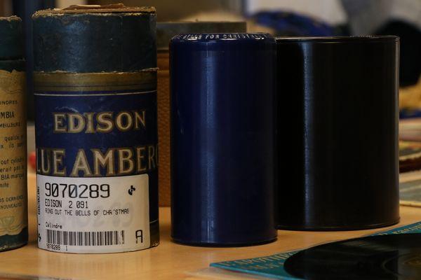 Cylindres Edison et Columbia de chants de Noël.