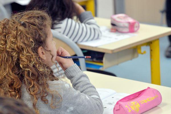 Ces évaluations de début CP se dérouleront en cinq séquences de 10 minutes chacune : trois en français et deux en mathématiques.