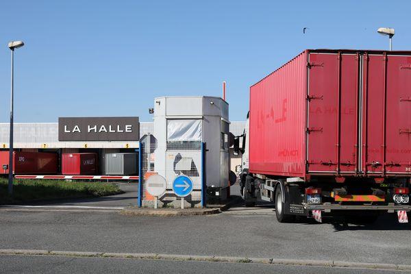 Le site logistique de La Halle à Montierchaume emploie 222 personnes et pourrait ne pas survivre à le reprise de l'enseigne.