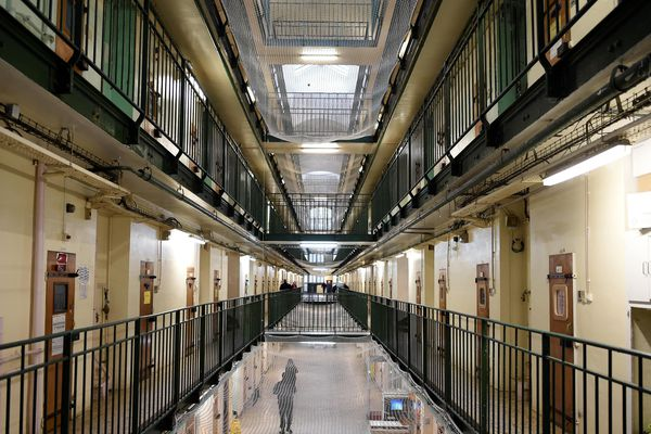 Les conditions de détention à la prison de Fresnes (Val-de-Marne) sont régulièrement dénoncées.