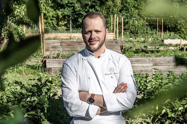Du haut de ses 26 ans, Brandon Dehan a été élu par ses pairs pâtissier de l'année 2020.