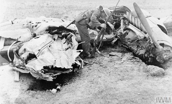 Les débris d'un Messerschmitt Bf110 de l'Erprobungsgruppe 210 (Erp.Gr.210). Il a été abattu le 14 août 1940 par la DCA britannique près de l'aérodrome de Manston, dans le sud-est de l'Angleterre.