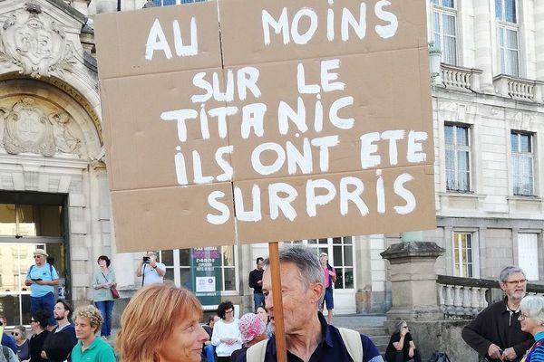 Plusieurs manifestants à Limoges pour la défense du climat