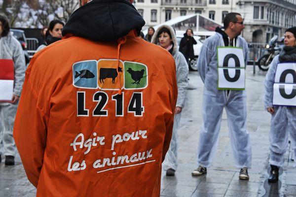 Des militants de l'association L214 en décembre 2018 à Lyon.