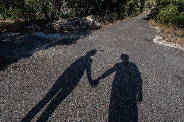 Le couple peut constituer un rempart afin d'affronter les difficultés liées au confinement.