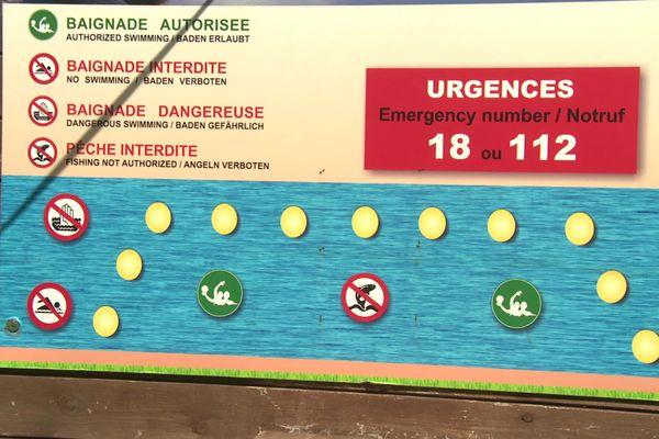 Baignade interdite en dehors du périmètre.