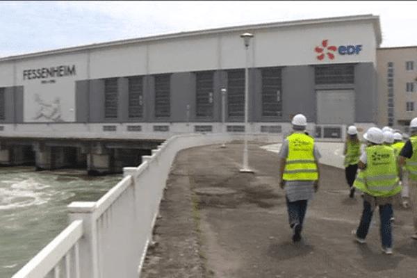 La centrale hydroélectrique de Fessenheim et son impressionnante machinerie attirent les visiteurs, curieux de savoir d'où provient l'électricité qu'ils consomment.