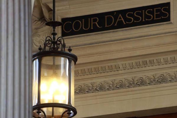 L'entrée de la cour d'assises de Paris