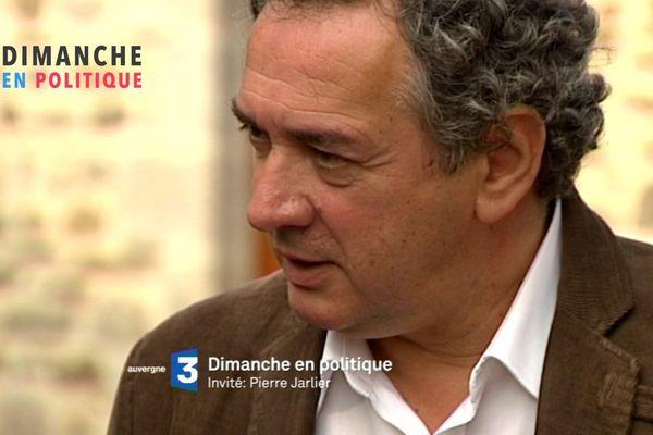 Pierre Jarlier, le maire UDI de Saint-Flour est l'invité de Dimanche en Politique.