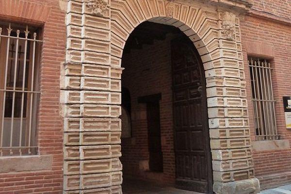 Portail d'entrée de l'hôtel de ville d'Albi