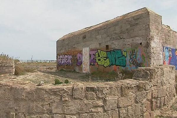 Pendant la 2ème guerre mondiale, les Allemands ont contraint les habitants de Torreilles à bâtir les fortifications sur la plage.