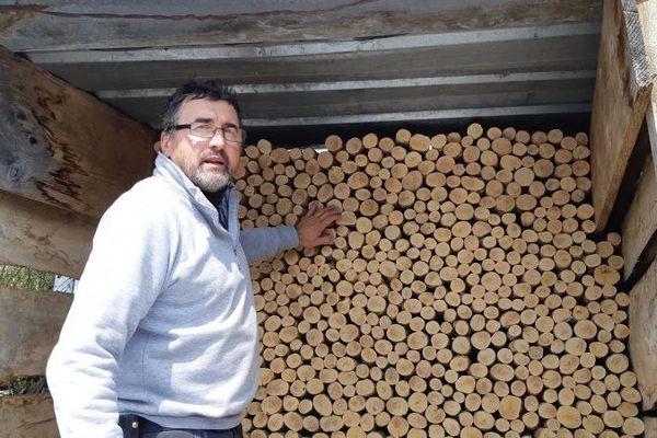 Jean-Yves Monneret et sa tournerie installés à Jeurre dans le Jura.