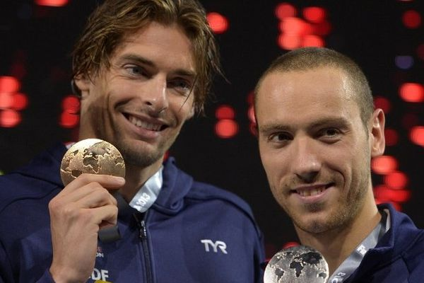 Camille Lacourt fier de sa médaille d'or pour le 50 m dos et ravi pour celle d'argent remportée par Jérémy Stravius