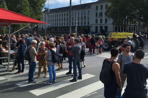 le 17 septembre 2019, une manifestation devant la préfecture de Nantes où se décidait l'attribution des terres.