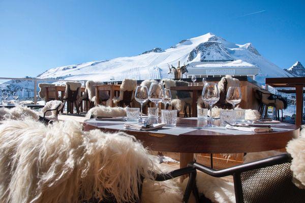 La terrasse du restaurant Le Panoramic à 3032 mètres d'altitude.