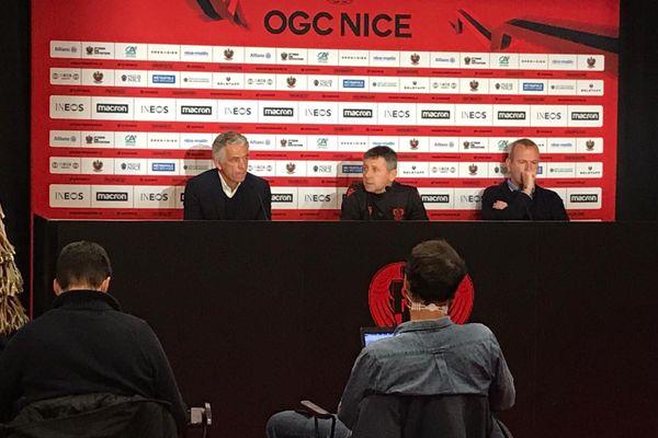 Adrian Ursea, au centre, nouveau coach du Gym, présenté en conférence de presse par le président Jean-Pierre Rivère.