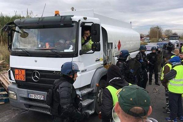 Le dépôt de carburant de Frontignan est débloqué depuis ce matin 6 heures mardi 20 novembre 2018.