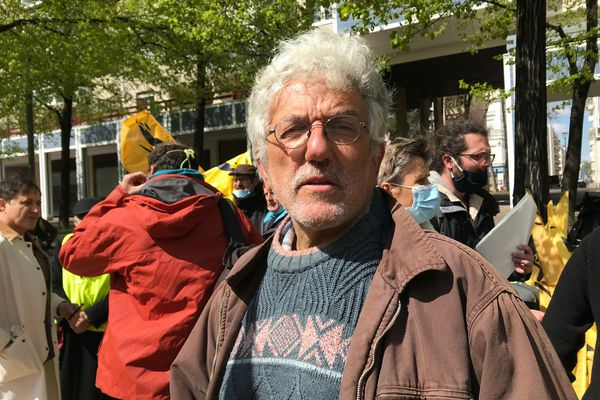 Charles Redon, producteur de châtaignes et de myrtilles près de Lamastre, en Ardèche.