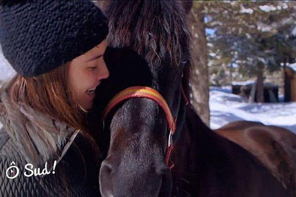 Emilie avec Tornade, cheval de Merens