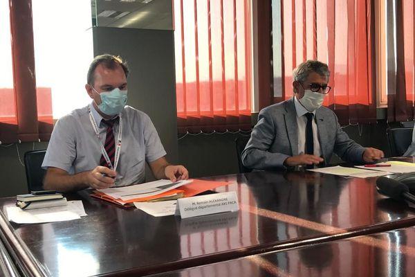 Romain Alexandre, délégué départemental de l'Agence Régionale de Santé et à droite Bernard Gonzalez, préfet des Alpes-Maritimes.