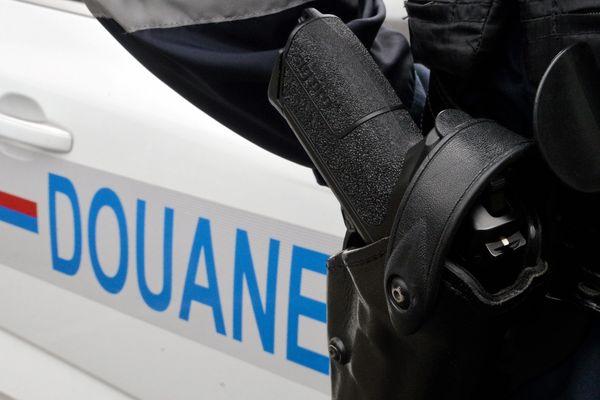 Illustration. Les douanes du Jura ont saisi 170 kilogrammes d'herbe de cannabis, le 19 juin dernier, sur l'autoroute A39.