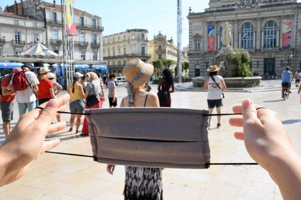 Face à la multiplication des cas de Covid à Montpellier, le port du masque est à nouveau obligatoire en ville depuis le 21 juillet, sur ordre du préfet.