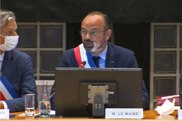 5 juillet 2020- Edouard Phlippe à nouveau maire du Havre. A gauche sur cette image : Jean-Baptiste Gastinne, premier adjoint.