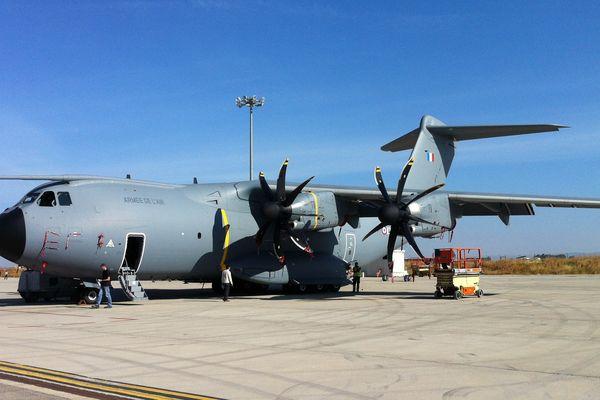 Le premier A400M aux couleurs de l'armée de l'air, mi-juin à Séville (Espagne)