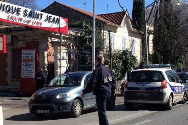 Après les coups de feu à la clinique Saint-Jean et le bouclage du quartier, l'avenue Bertrand Buisson à été rouverte à la circulation vers 13h00.