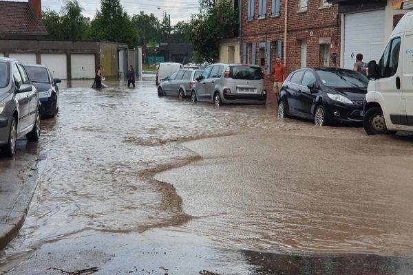 Les intempéries du 28 juin 2021 ont provoqué des inondations dans les rues d'Abbeville.
