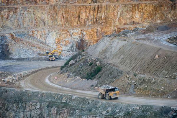 L'implantation de cette carrière de roche massive de granit prévoyait de s'étendre sur sept hectares pour une durée de 30 ans.