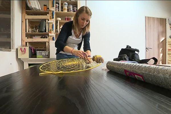 Gaëlle Desmet est spécialisée dans la fabrication manuelle d'attrape-rêve