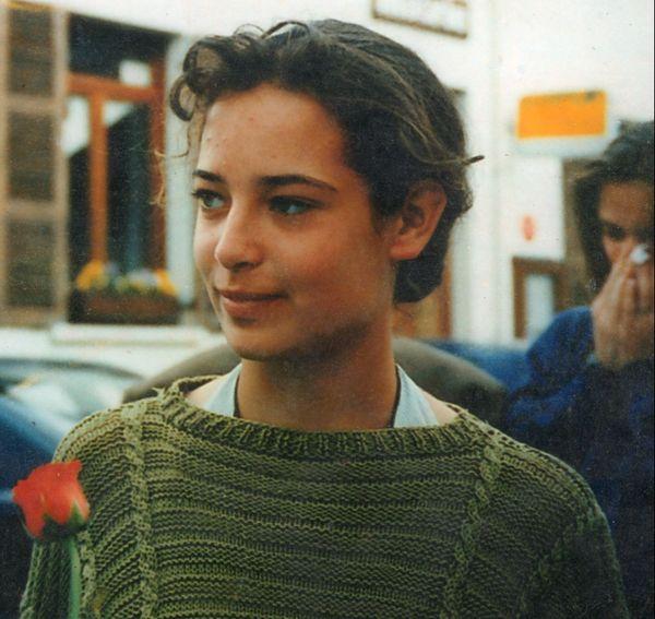Cécile a vécu en Normandie jusqu'à 14 ans avant de partir en Savoie avec sa maman.