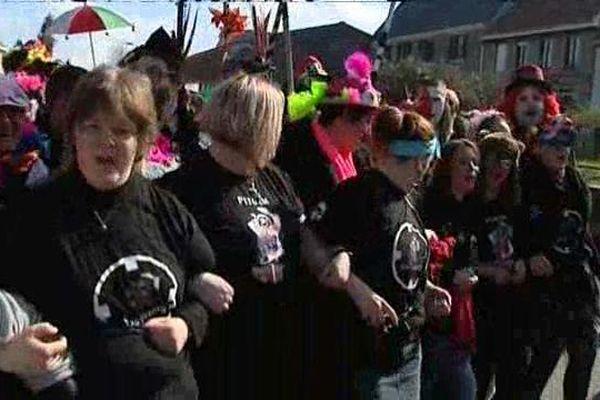 A Pitgam, pour le dernier carnaval de la saison, les femmes sont en première ligne. Tradition oblige.