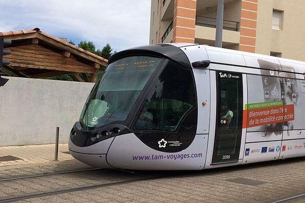 Montpellier - un tramway - archives