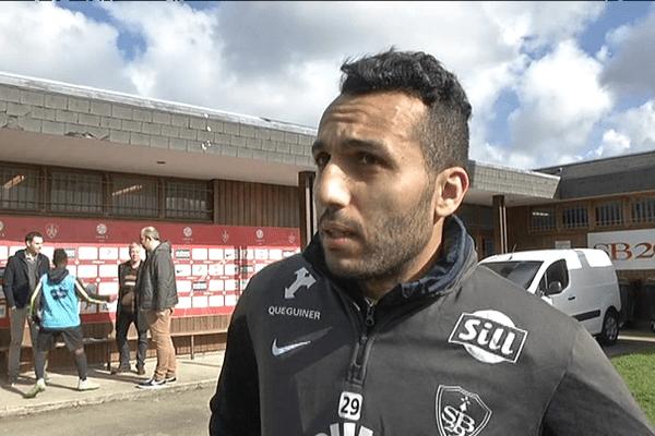 """Youssef Adnane du Stade Brestois estime que l'équipe est """"un bon groupe qui vit bien"""" et que les choses peuvent basculer en leur faveur"""