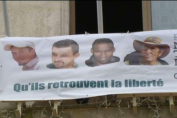 Pierre Legrand, Marc Féret, Thierry Dol et Daniel Larribe détenus dans le Sahel depuis le 16 septembre 2010.